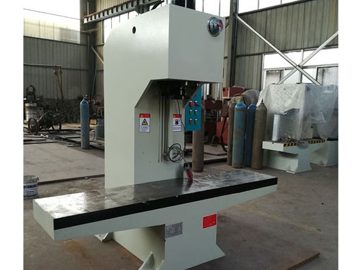 315吨单臂液压机